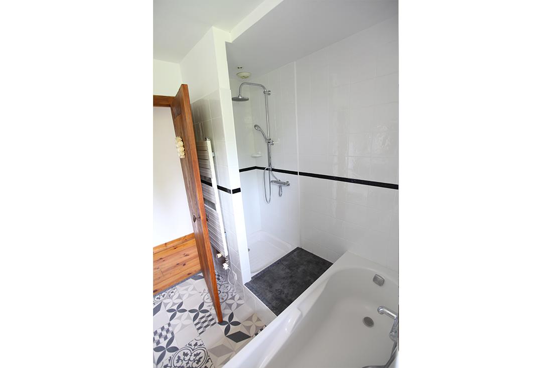 Salle de bain glycine chambre d hotes cote basque aretxola 4