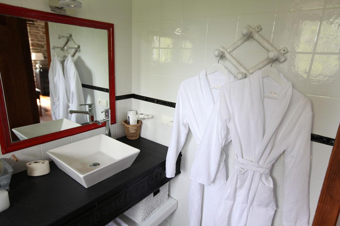 Salle de bain glycine chambre d hotes cote basque aretxola 6